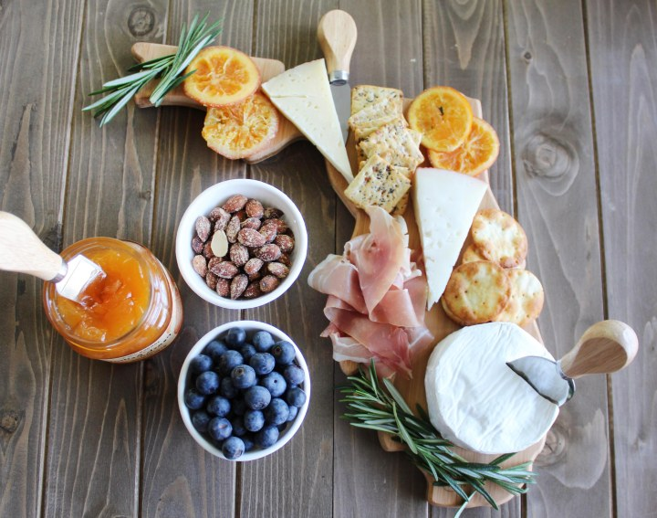 How To Make The Perfect Cheese Board On ABudget